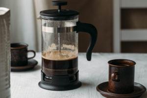 Připravte si lahodnou kávu za pomocí jednoduchého french pressu